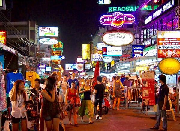 Sang Thái Lan đánh hàng